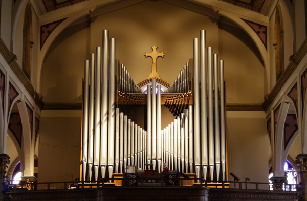 holy family catholic church columbus oh schantz organ holy cross catholic church
